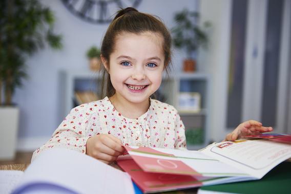 Kinderzahnarzt in Uri - lächelndes Kind